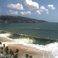 Olas de hasta 10 metros en #Acapulco por mar de fondo