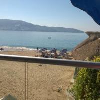 Un muerto y un herido a unos metros del hotel Krystal Beach Acapulco