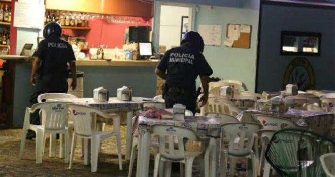 #Acapulco se desangra: Disparan dentro de un popular restaurante