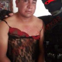 Otro VIDEO de tortura: marino viste a narcos con lencería de mujer