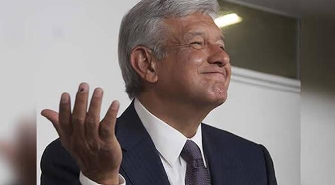 La aprobación a la gestión del presidente Andrés Manuel López Obrador disminuyó 10 puntos porcentuales con respecto a diciembre (57% vs 47%)